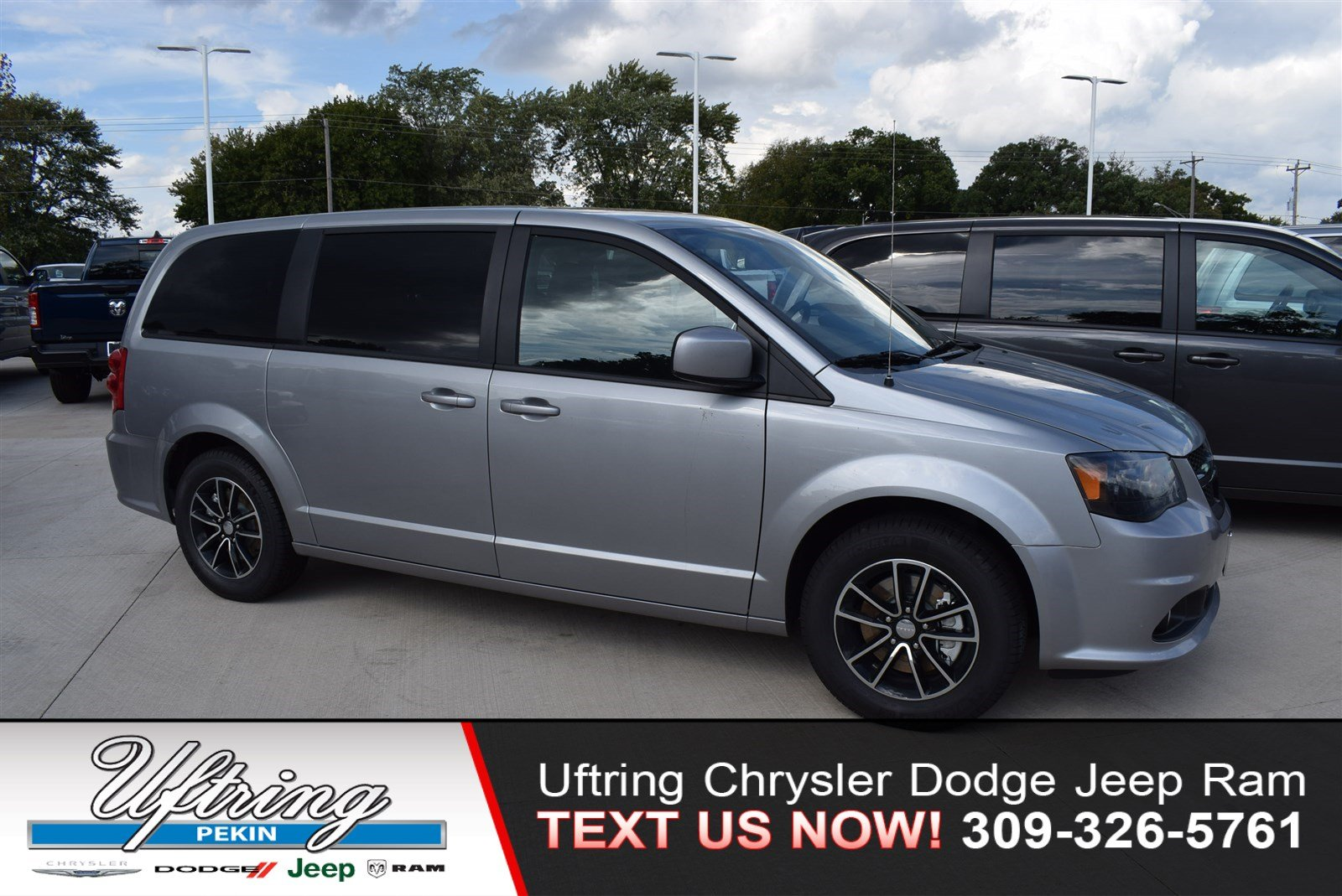 New 2019 Dodge Grand Caravan Se Plus Passenger Van In Pekin 1940805