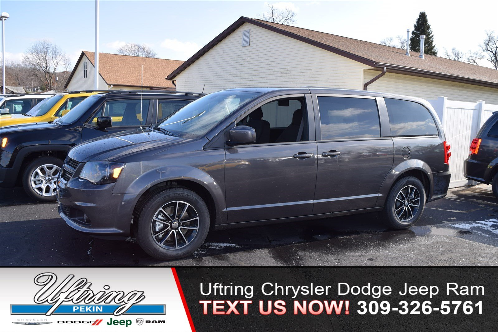 New 2019 Dodge Grand Caravan Se Plus Passenger Van In Pekin 1940804